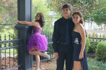 third-wheel-funny-prom-purple